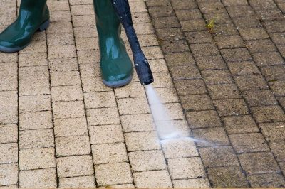 Moss cleaning on paving